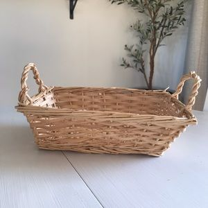 3 for $20🌼 Rectangular Basket With Handles